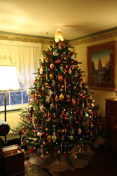 primitive christmas decor - Primitive Christmas Trees