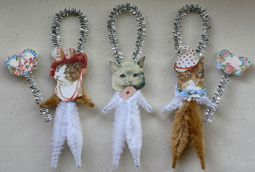 romantic cat ornaments for Valentine's Day