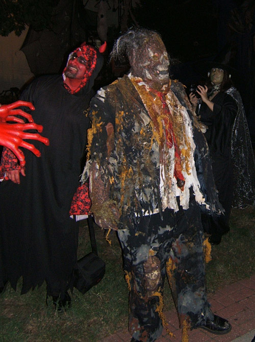 Creep Show Zombie and devil friend